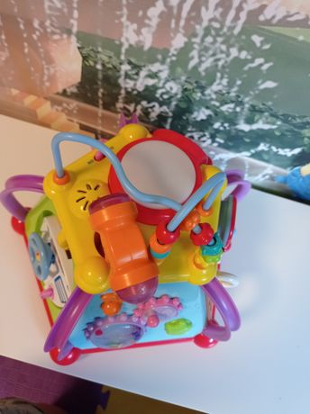 Продам бизибокс для малышей