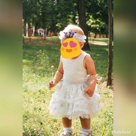Красивое платье childrens place 12-18 мес- одето 1 раз