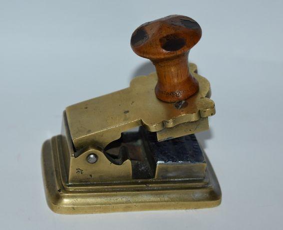 старинная печать оттиск 4 аптекарский магазинъ З.И. Жикульского в Рыби
