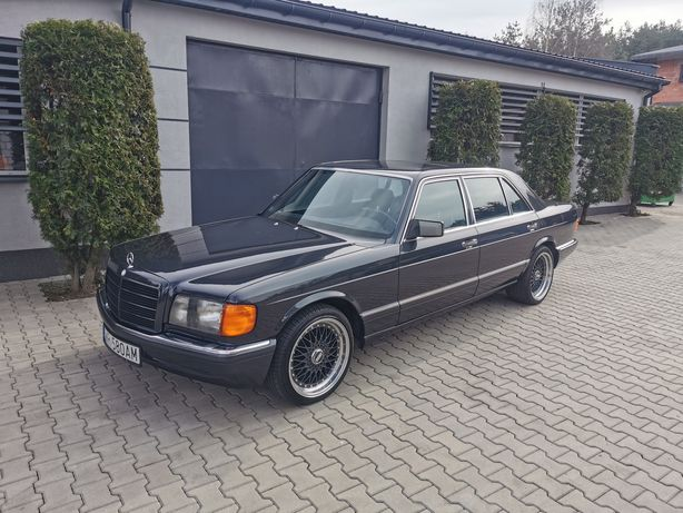 Do ślubu piękny klasyk Mercedes w126 Long