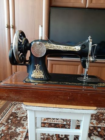 Антикварная швейная машинка Singer(Зингер) ручная