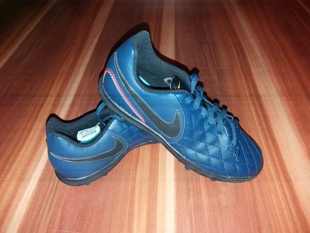 Turfy Nike r.37.5