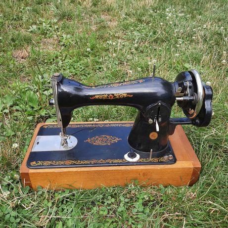 Швейна машинка ручна М2