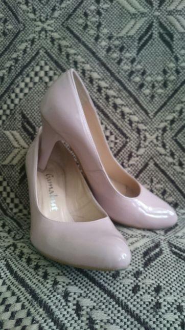 Buty wyjściowe damskie lakierowane skóra Gamabut rozmiar 39