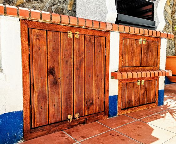 Portas madeira deck para churrasqueira