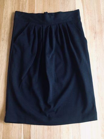 Czarna ołówkowa spódnica Mohito XS 34