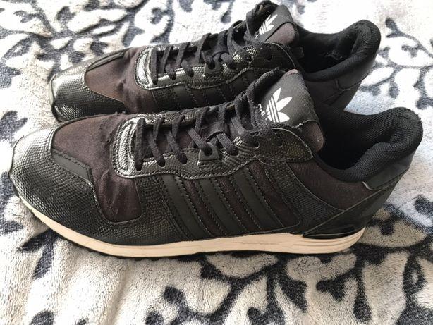 Czarne Adidas zx 700w