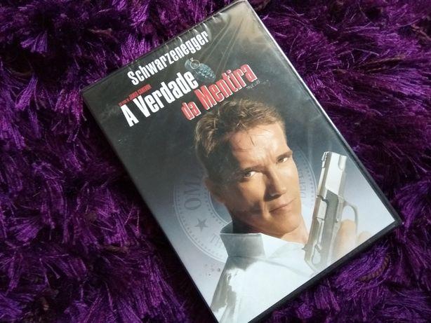 A verdade da Mentira (True Lies), Arnold Schwarzenegger James Cameron