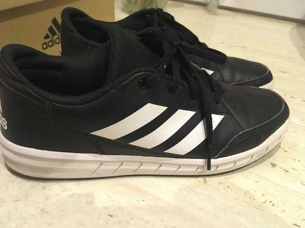 Buty Adidas 38 z białą podeszwą