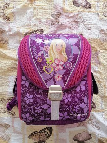 Ортопедичний шкільний рюкзак для дівчинки