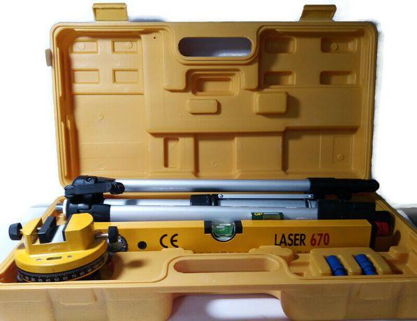 Poziomica laserowa 670 komplet