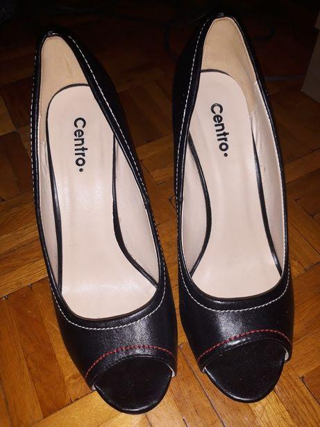 Buty na koturnie czarne centro