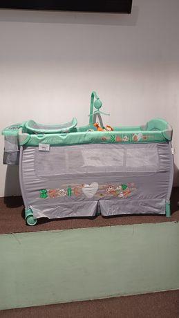 Łóżeczko turystyczne 120x60 cm z pełnym wyposażeniem i funkcją kołyski
