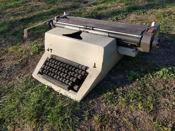 Maszyna do pisania ŁUCZNIK model 1016