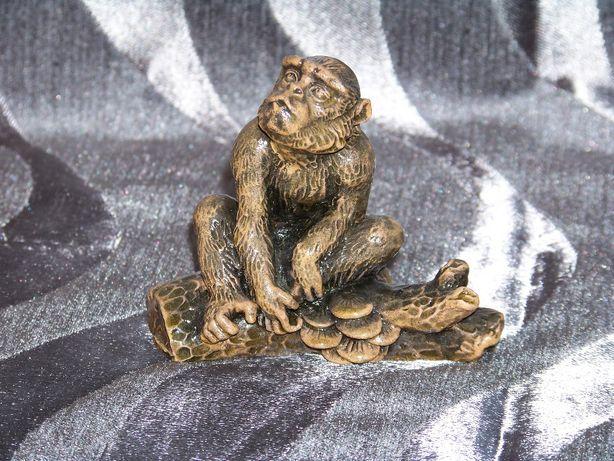 сидящая обезьянка фигурка игрушка керамика