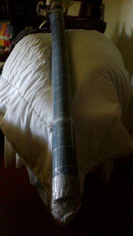 1 cortinados japonês um madeira azul em palhota