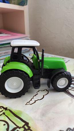 Трактор игрушка New-Ray