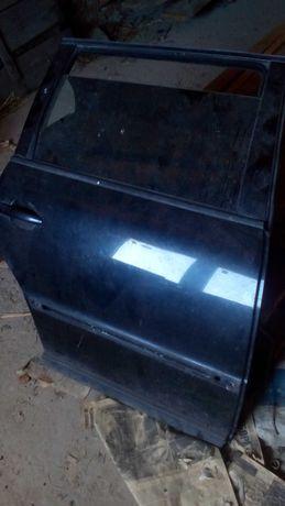 Двері задні Passat b5 2001
