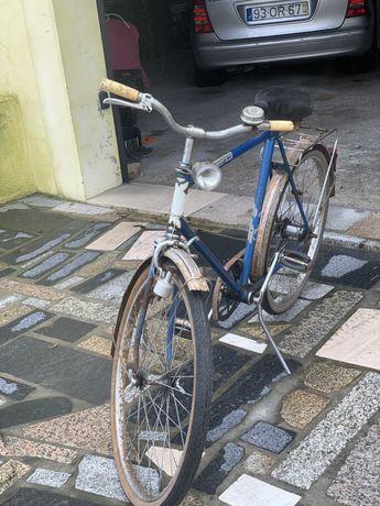 Bicicleta antiga marca Hobby
