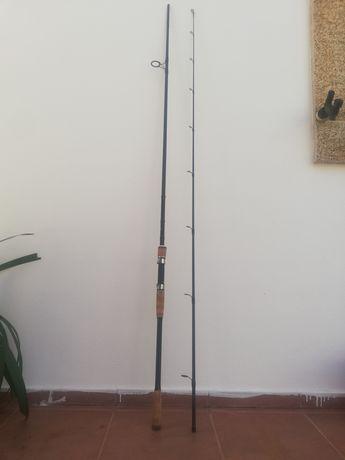 Cana de pesca Shimano, de 2.70 metros, de spinning ao robalo