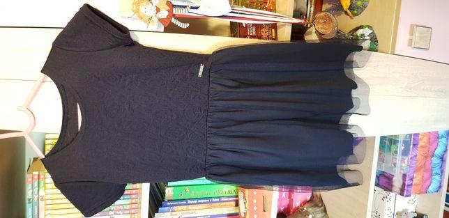 Sukienka szkolna granatowa oraz biała bluzeczka i sweterek rozmiar 122