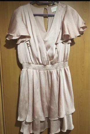 Pudrowa sukienka Mohito