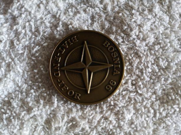 Medalhas e crachás militares