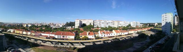 T2 acolhedor e luminoso remodelado Damaia baixo / Benfica