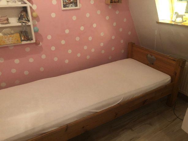 łóżko drewniane sosnowe 214cm x 92 cm. materac wymiary 200 cm x 90 cm