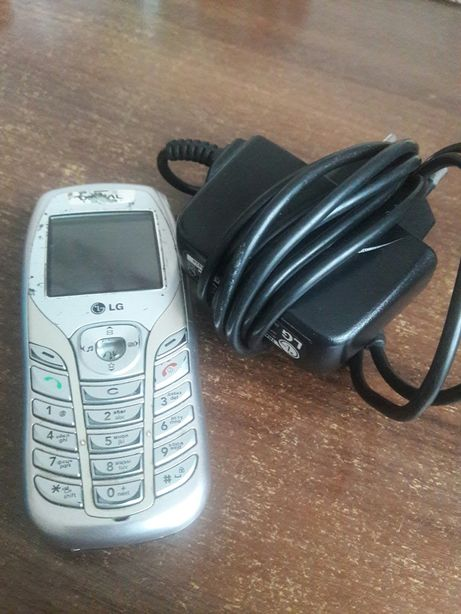 Телефон PEOPLEnet LG