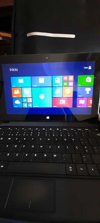 Surface RT 8.1 com teclado rígido, carregador e bolsa de transporte