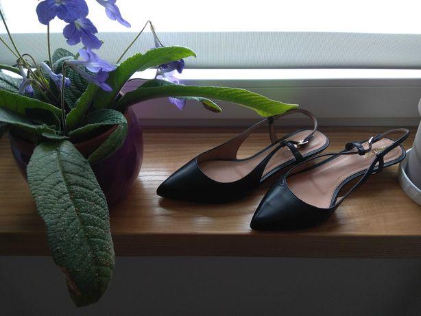 Baleriny czarne, w typie sandały, skóra naturalna, licowa,rozm.3