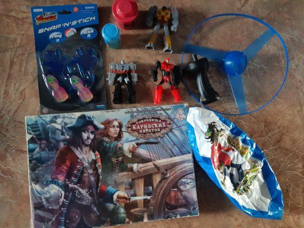 Пакет игрушек одним лотом.