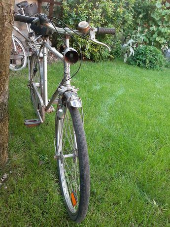 Zabytkowy rower do renowacji
