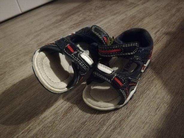 Sandały sandałki chłopiec rozmiar 20 jak nowe