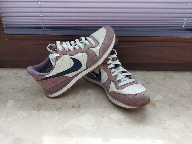 Damskie sportowe  Nike 36,5