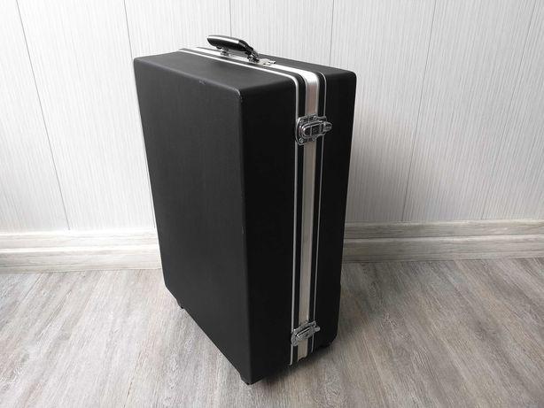 walizka twarda duża 65x45x26 na kółkach sztywna podróżna