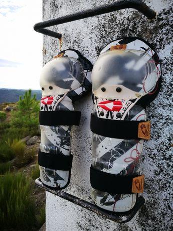 Proteções de joelhos e pernas EVS - Motocross