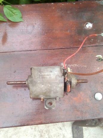 Продам электромотор вентилятора печки siemens 1bb52