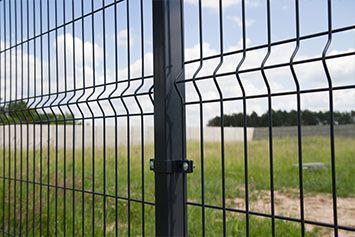 Panele ogrodzeniowe fi 4 1,5m z podmurówką. Ogrodzenia panelowe