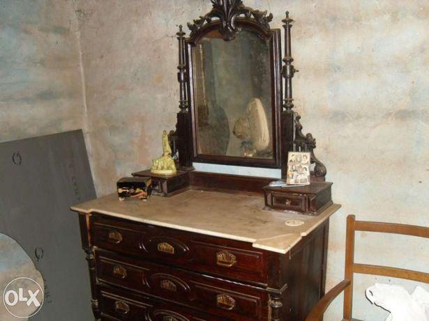 Vendo mobília de quarto antiga