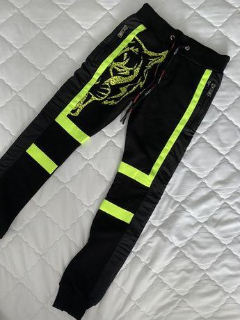 Phillip Plein, Guess, DKNY штаны
