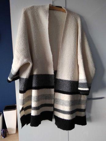 Sweter oversize beżowo- czarny