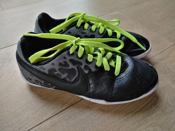 Nike piłkarskie sportowe roz. 31/19cm
