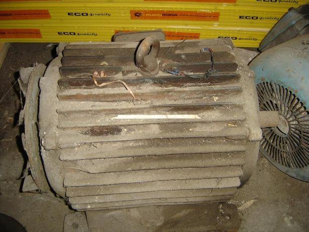 silnik elektryczny 30kW, 970obr/min