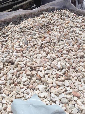 Pedras para Jardim e Muros