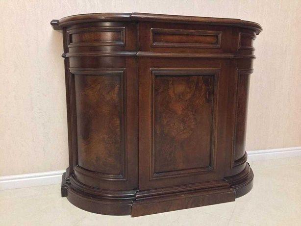 Комплект итальянской  мебели: диванчик,  2 кресла и тумба.