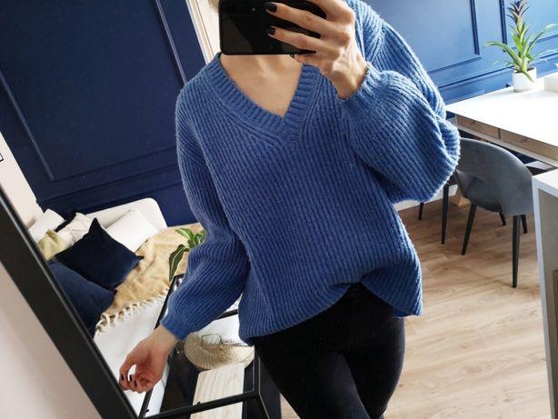Błękitny sweter z dekoltem w serek, Mohito, roz. S