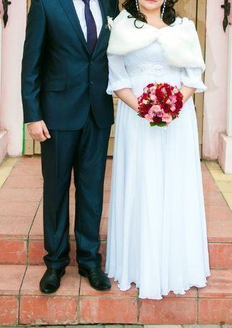 Свадебное платье и/или меховая накидка