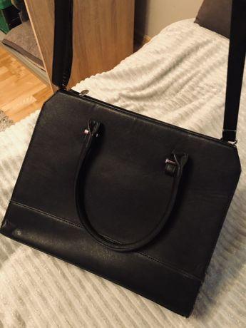 Duza torba kolor czarny